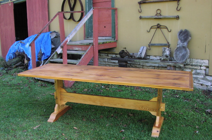 ... Custom Trestle Table   8 Foot Long Antique Pine